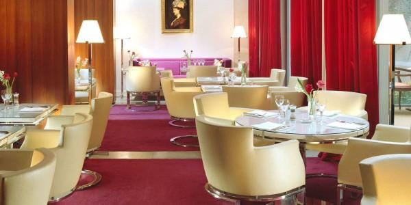 Гостиница Hôtel De Sers *****