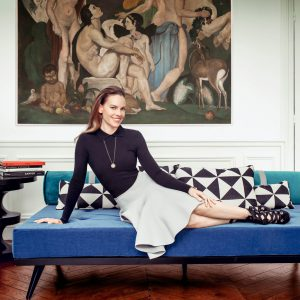 hilary-swank-paris_09
