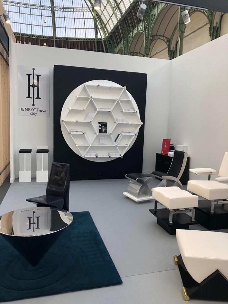 Henryot & cie stand révélations 2019 fauteuil et chaises design contemporain retro