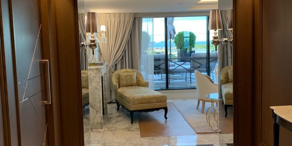 Bergère hotel hyatt tokyo bay - Henryot & cie with Laurent Maugoust interior designer