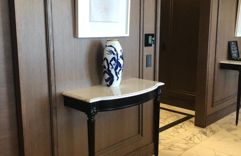 Consoles hotel hyatt tokyo bay - Henryot & cie with Laurent Maugoust interior designer